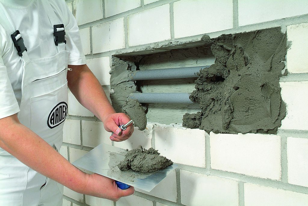 Deep fill repair mortar