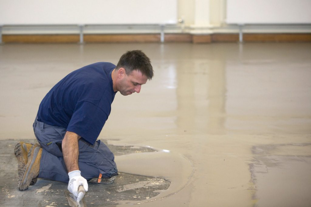 Latex Levelling and Smoothing Compound Application on large floor